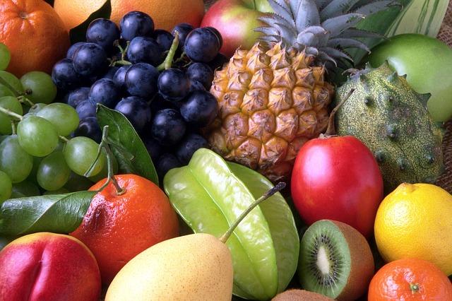 cizokrajné i místní ovoce