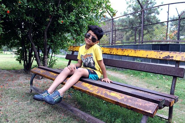 o samotě na lavičce