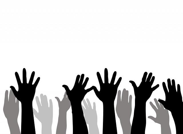 zvednuté ruce