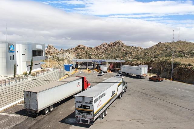 kamiony spedičních firem.jpg
