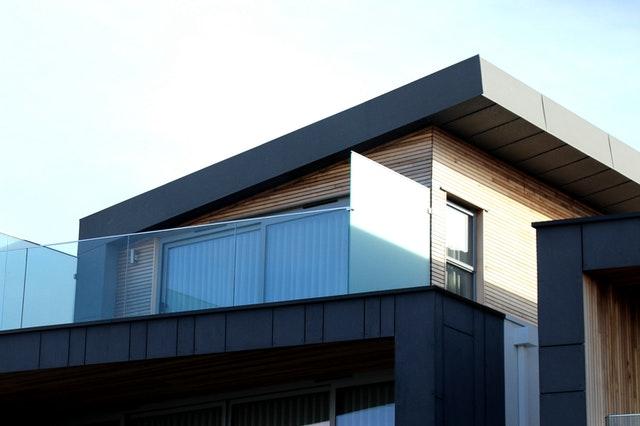 malý domek, skleněné zábradlí