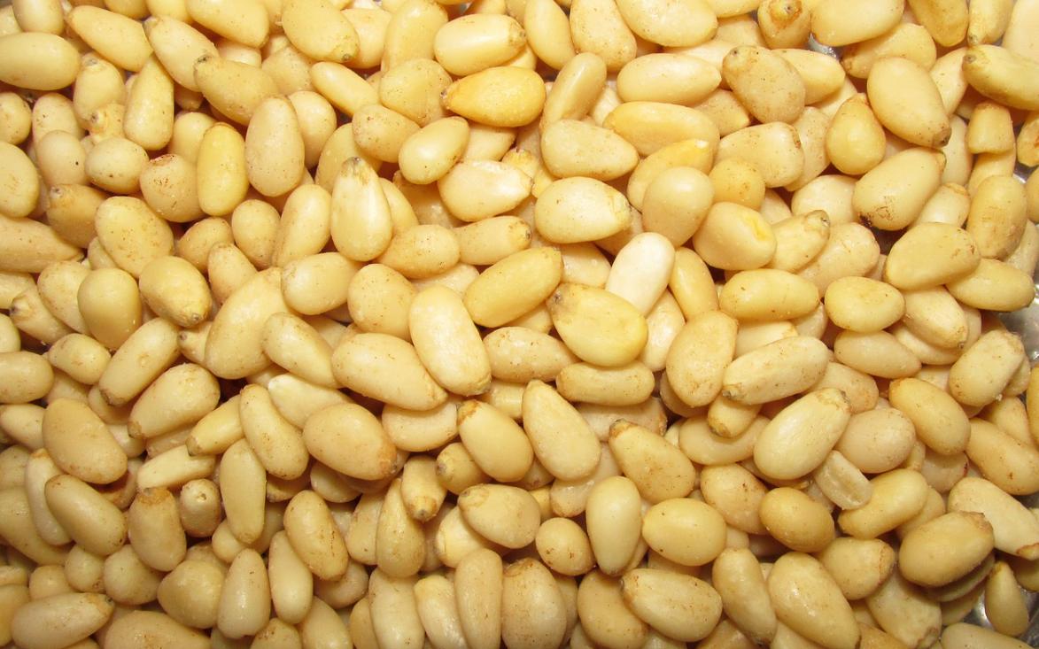 piniové ořechy
